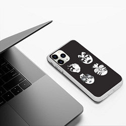 Чехол iPhone 11 Pro матовый KISS Mask цвета 3D-белый — фото 2