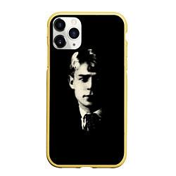 Чехол iPhone 11 Pro матовый Есенин Ч/Б цвета 3D-желтый — фото 1