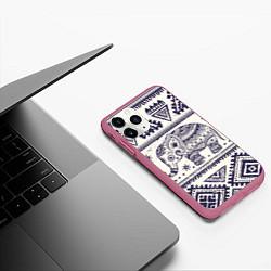Чехол iPhone 11 Pro матовый Африка цвета 3D-малиновый — фото 2
