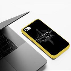 Чехол iPhone 6/6S Plus матовый Shadow of War цвета 3D-желтый — фото 2