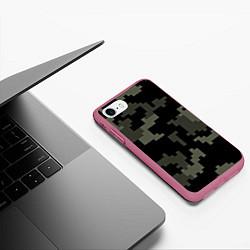 Чехол iPhone 7/8 матовый Камуфляж пиксельный: черный/серый цвета 3D-малиновый — фото 2
