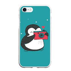 Чехол iPhone 7/8 матовый Пингвин с фотоаппаратом цвета 3D-белый — фото 1