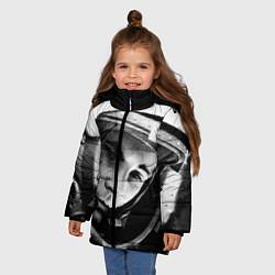 Куртка зимняя для девочки Гагарин космонавт цвета 3D-черный — фото 2