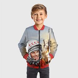 Бомбер детский Гагарин взлетает цвета 3D-красный — фото 2