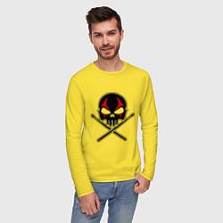 Лонгслив хлопковый мужской Череп ударник цвета желтый — фото 2