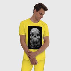 Пижама хлопковая мужская Космонавты цвета желтый — фото 2