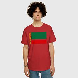 Мужская удлиненная футболка с принтом Чечня: флаг, цвет: красный, артикул: 10011926905753 — фото 2