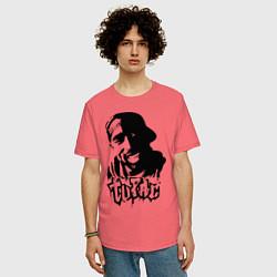 Мужская удлиненная футболка с принтом 2pac, цвет: коралловый, артикул: 10012602905753 — фото 2