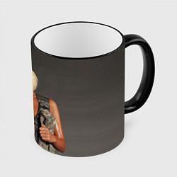Кружка 3D Девушка в форме цвета 3D-черный кант — фото 1