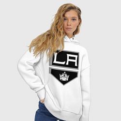 Толстовка оверсайз женская Los Angeles Kings цвета белый — фото 2