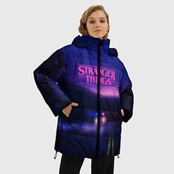 Женская зимняя 3D-куртка с капюшоном с принтом Stranger Things: Neon Road, цвет: 3D-черный, артикул: 10167398506071 — фото 2