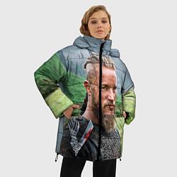 Женская зимняя 3D-куртка с капюшоном с принтом Рагнар Лодброк, цвет: 3D-черный, артикул: 10073056406071 — фото 2