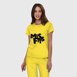 Пижама хлопковая женская Misfits цвета желтый — фото 2