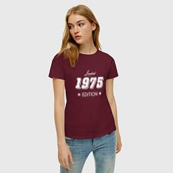 Футболка хлопковая женская Limited Edition 1975 цвета меланж-бордовый — фото 2