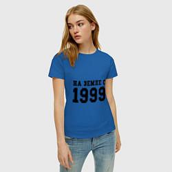 Футболка хлопковая женская На Земле с 1999 цвета синий — фото 2