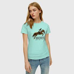 Женская хлопковая футболка с принтом HORSE RIDING, цвет: мятный, артикул: 10200932300002 — фото 2