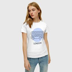 Футболка хлопковая женская Автобус, Лондон, London цвета белый — фото 2