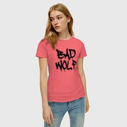 Футболка хлопковая женская Bad Wolf цвета коралловый — фото 2